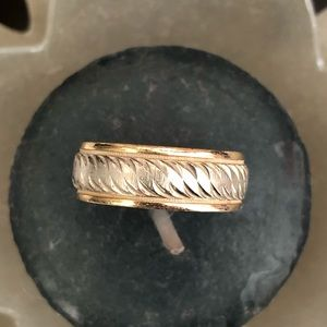 14 k Gold wedding ring band